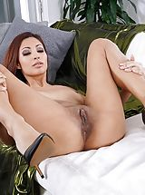 Photo Set No. 1348 Jade Jantzen unveils her own sizeable cans and bares her own solid slit